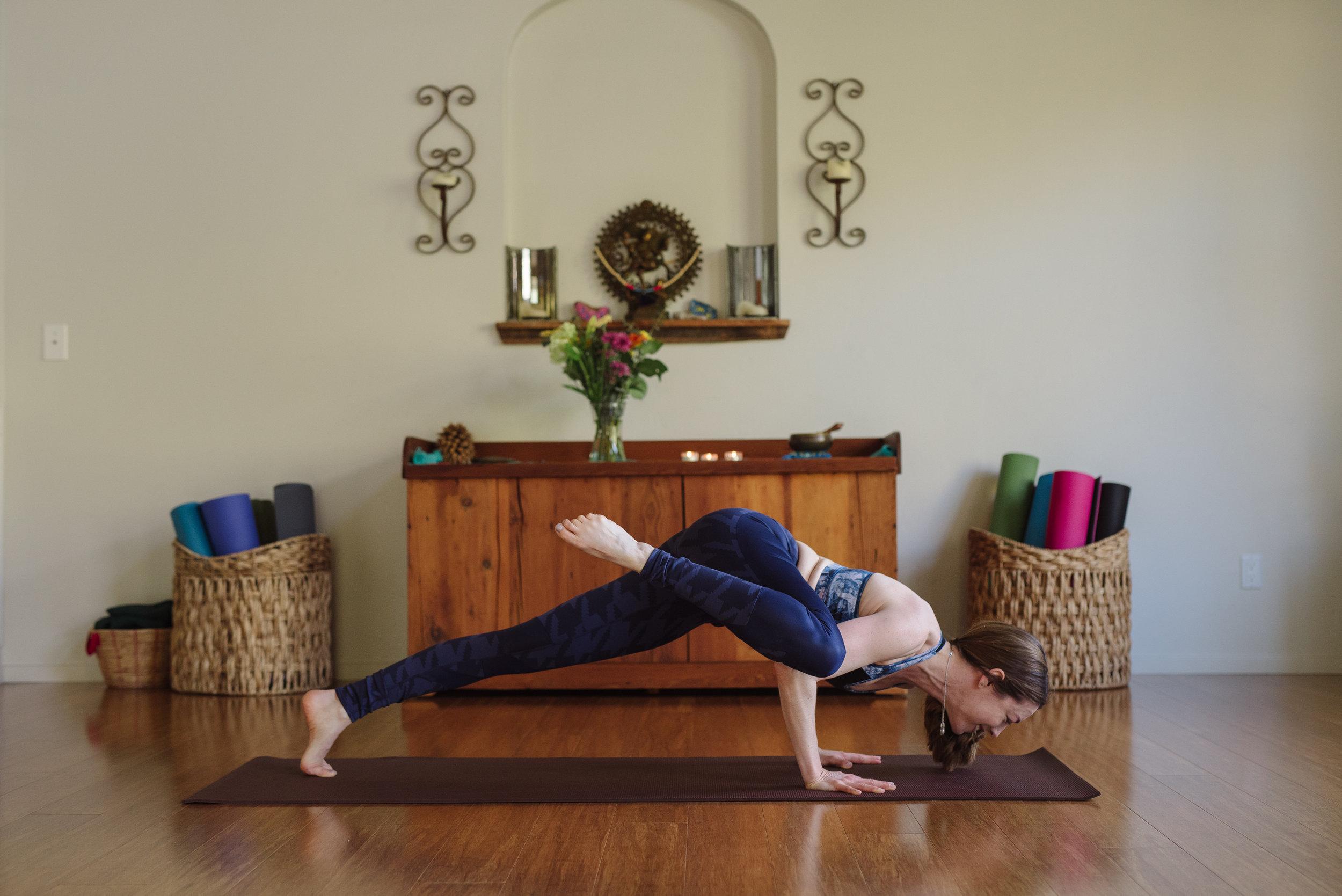 Nicole_Yoga (12 of 32).jpg