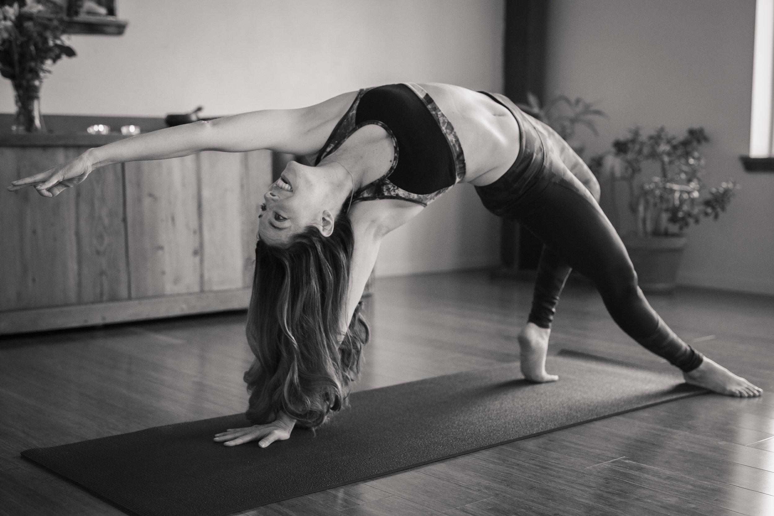 Nicole_Yoga (15 of 32).jpg