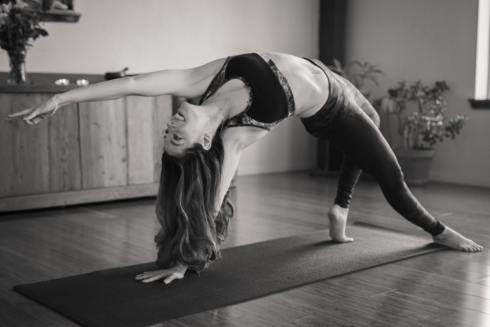 Nicole_Yoga (75 of 196)-2.jpg