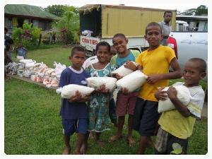 Fiji children rice.jpg