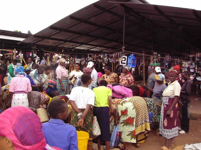 Rotary-Tanzania-market.jpg