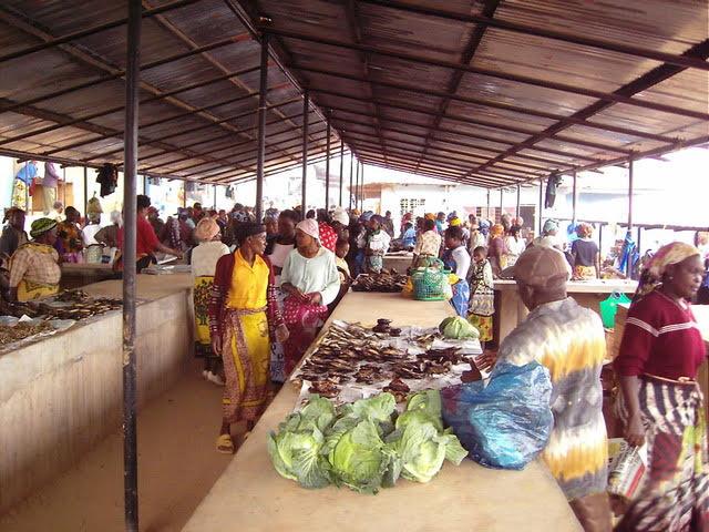 Rotary-Tanzania-market2.jpg