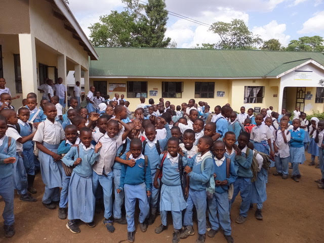 Rotary-Tanzania-school-children.jpg
