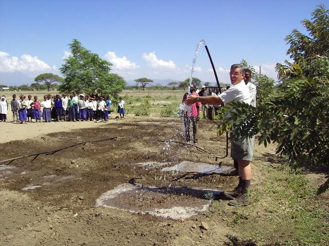 Rotary-Tanzania-water.jpg