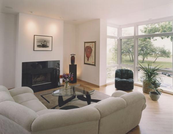 Living Room facing Lake Shore Drive
