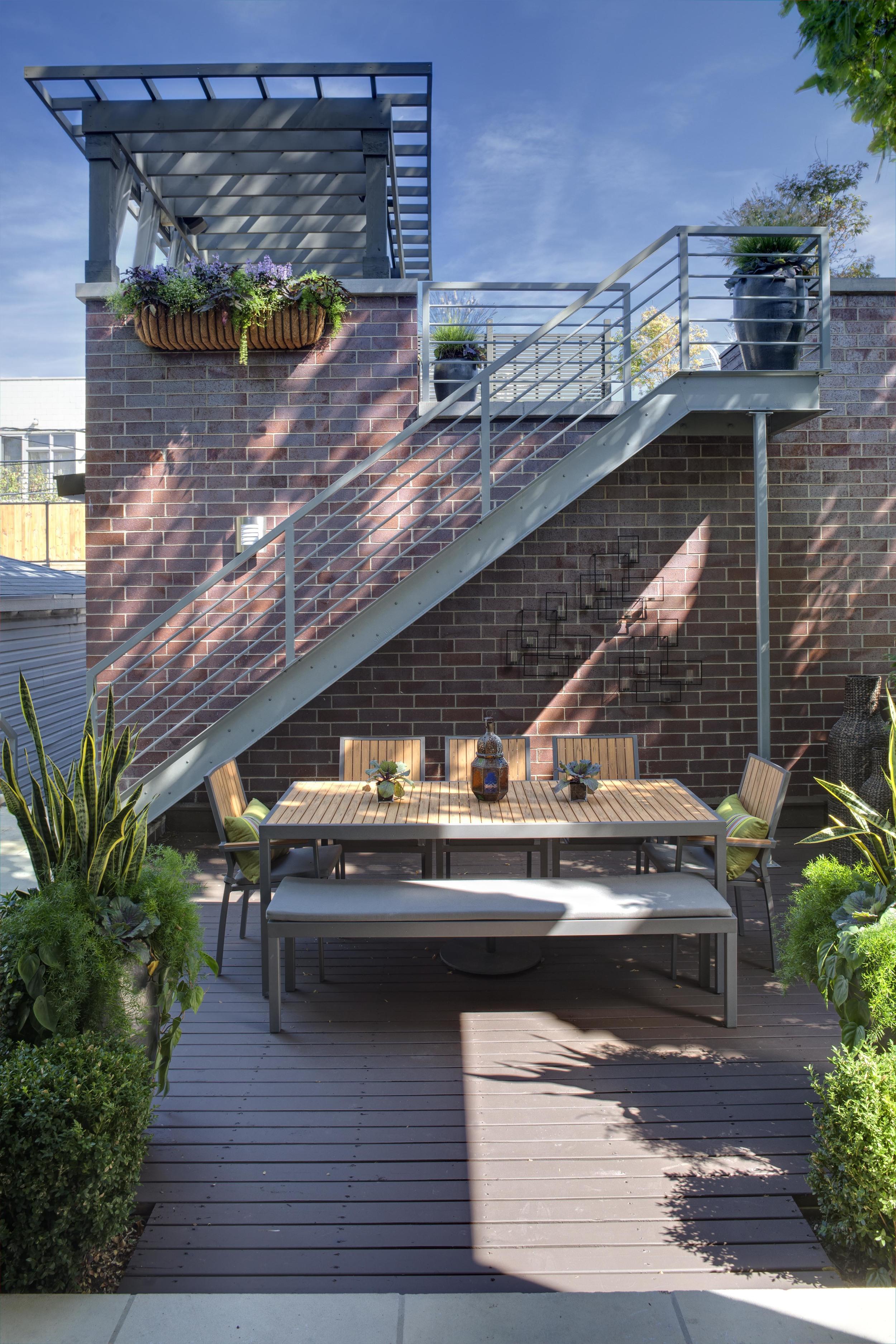 Rear Deck - Urban Residence - NDC 2010