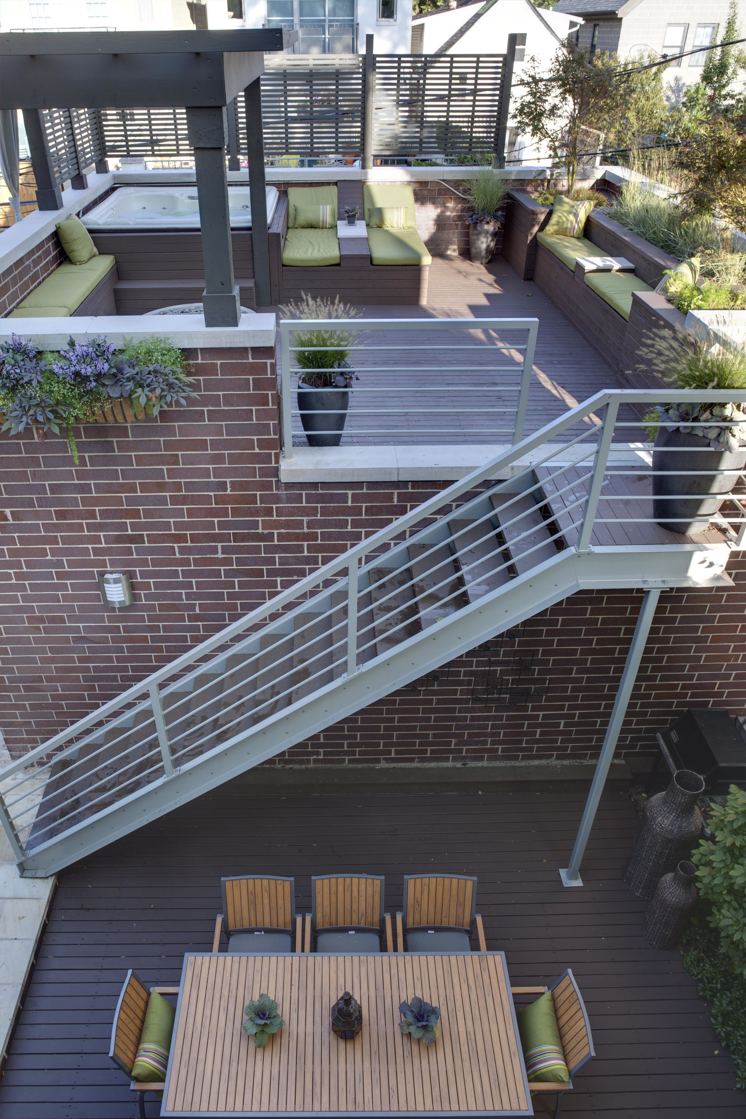 Roof Deck and outdoor dining - Urban - NDC 2010
