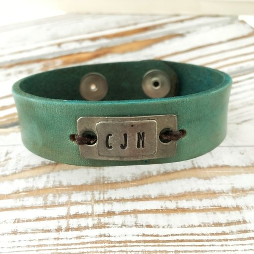 3b0e3cee9994e Personalized Turquoise Leather Bracelet