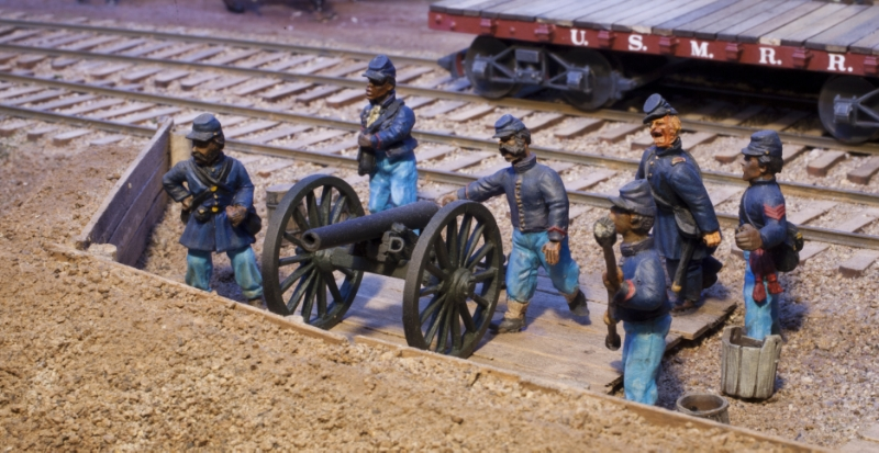 USCT recruits drill on a 3-inch ordnance rifle. The gun is an Alkem Scale Models kit. The figures are from various sources and are not included in the artillery kit.