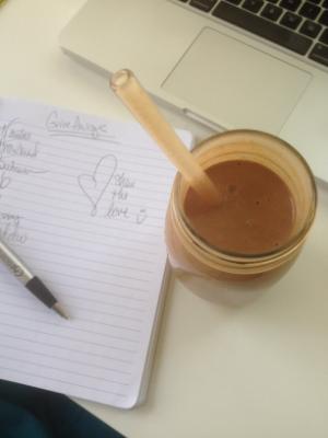 chocolate-almond-smoothie