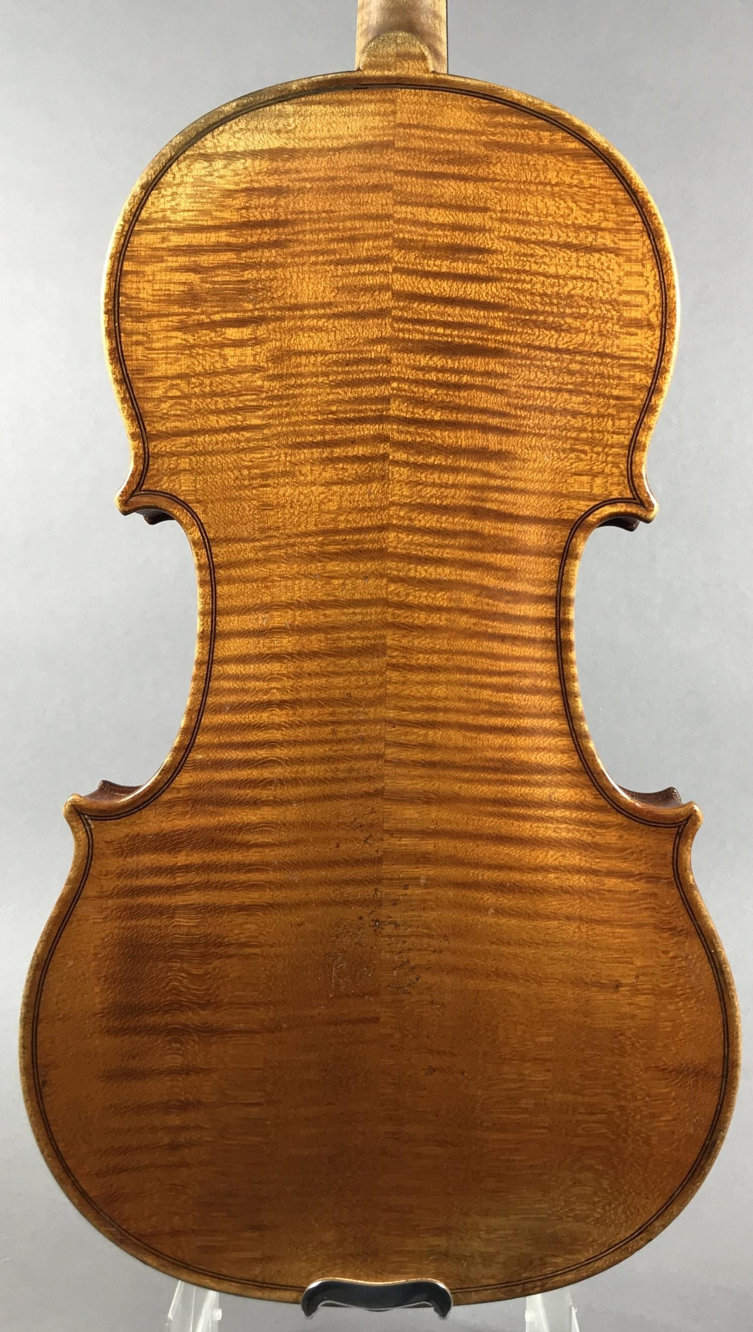 Heinrich Th. Heberlein jr., Markneukirchen 1928. (branded)