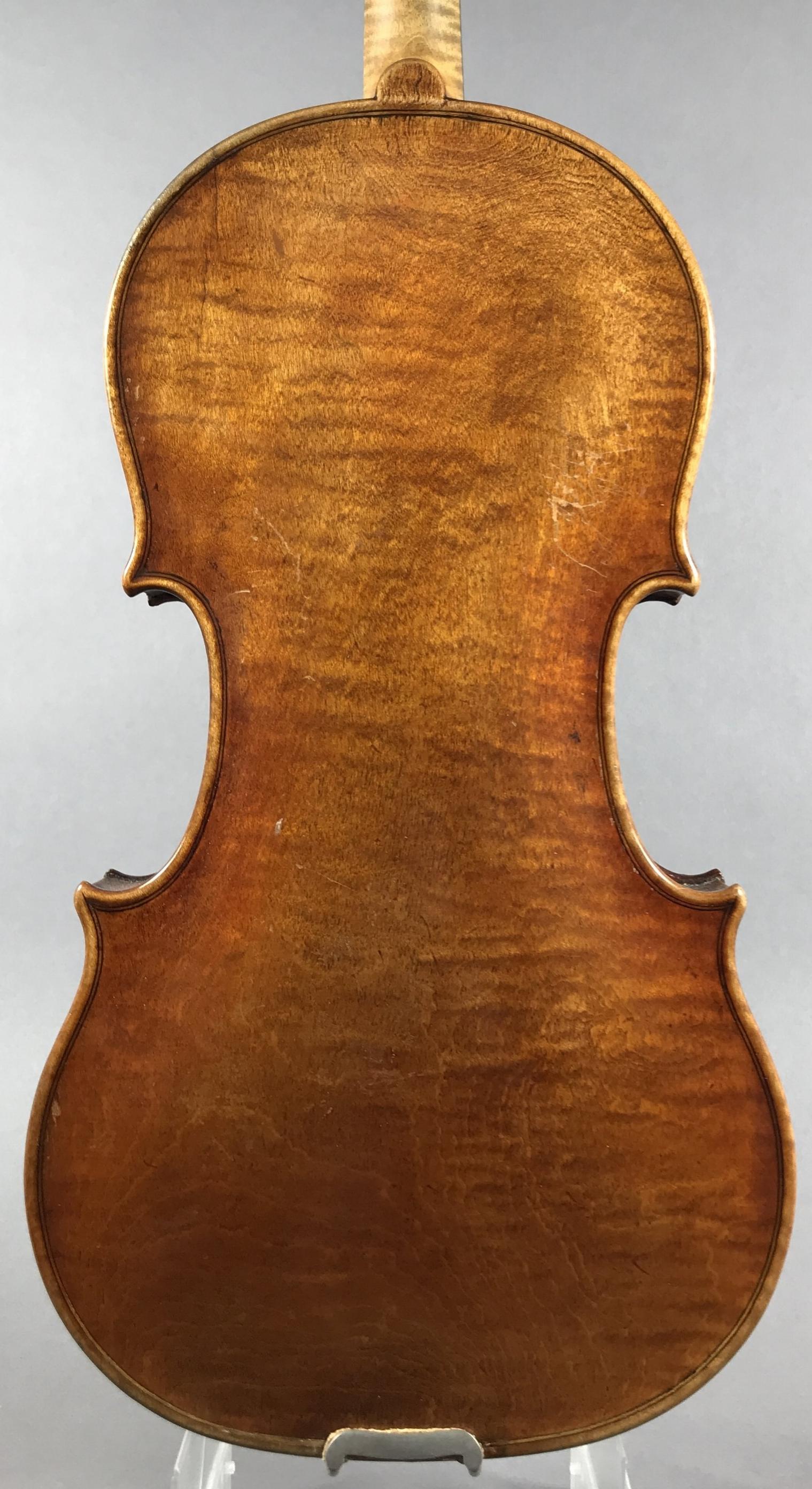 6197 - Ernst Heinrich Roth, Markneukirchen 1923 (VR model branded)