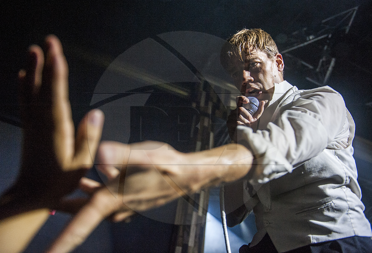 The Hives (Howlin' Pelle Almqvist)