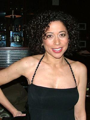 Mimi Leiber, Ima in SIX