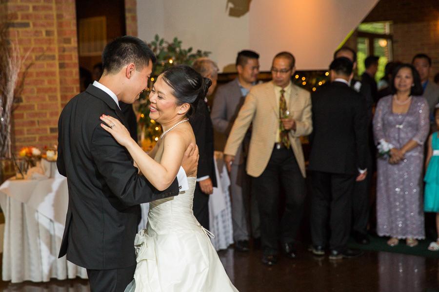 grand-atrium-tyson-corner-wedding-photographer