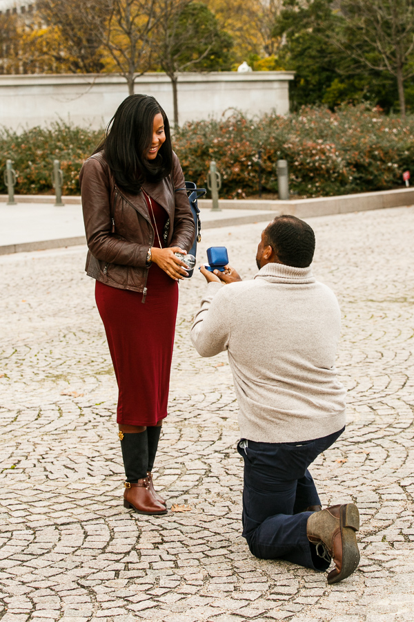 National-Gallery-of-Art-Engagement-Session-DC-Photographer