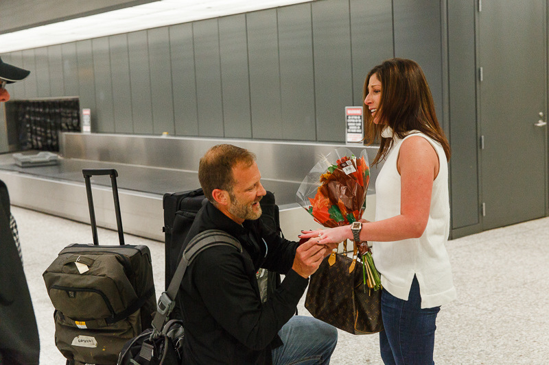 Dulles-Airport-Surprise-Proposal-Photographer