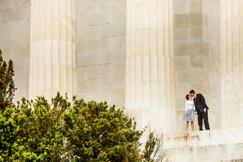 Lincoln-Memorial-Surprise-Proposal-Photographer