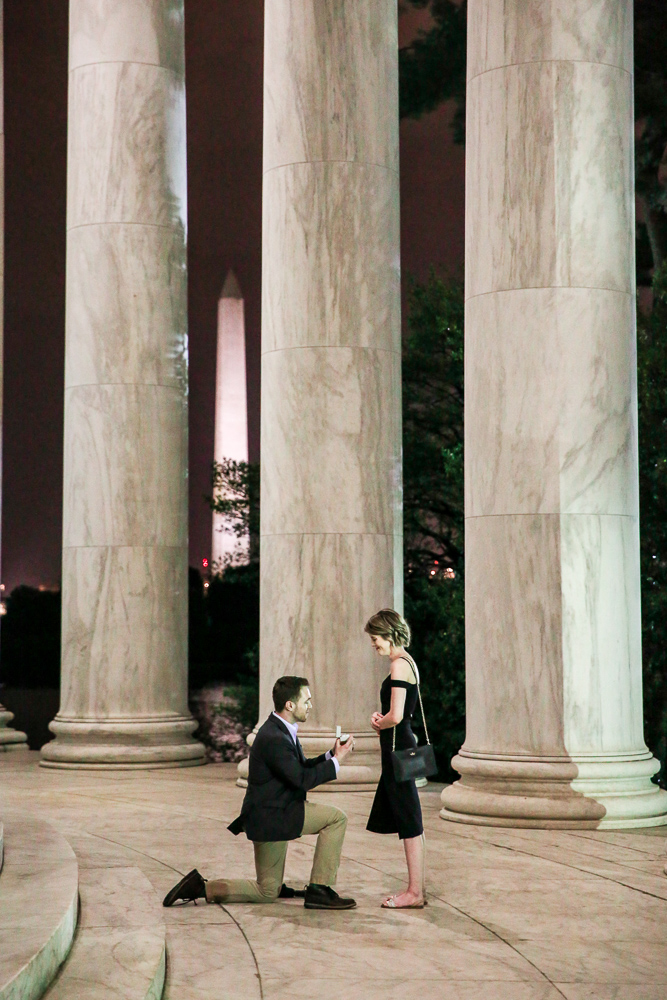 Jefferson-Memorial-Surpirse-Proposal-at-Night