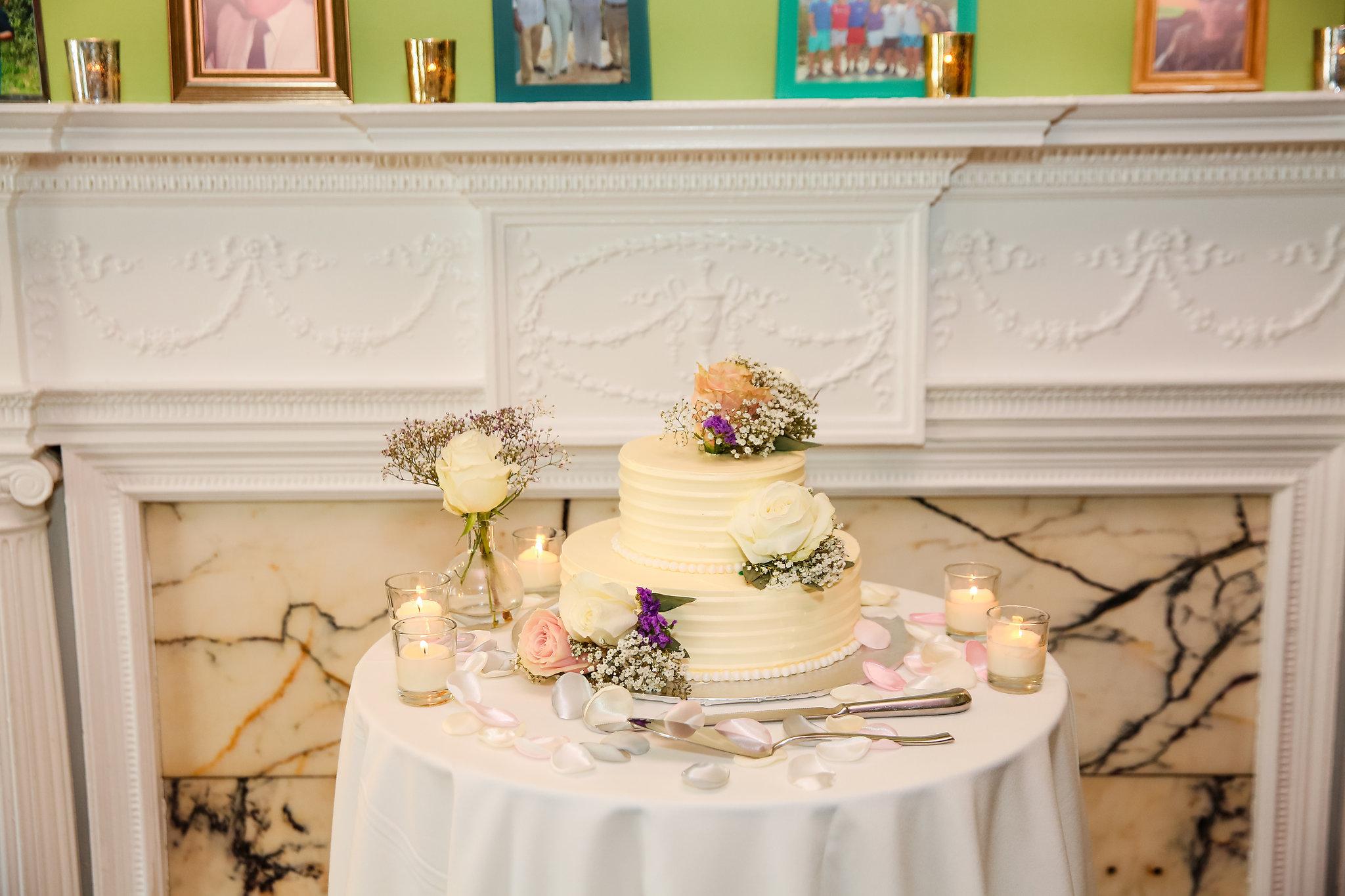 Washington-DC-Intimate-Wedding-Ceremony-Venues-Tabard-Inn