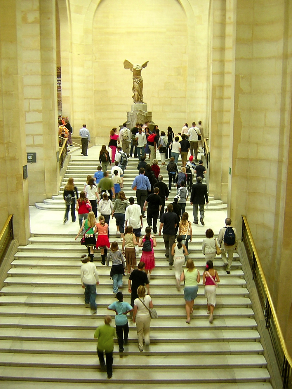 DISCOVER THE LOUVRE