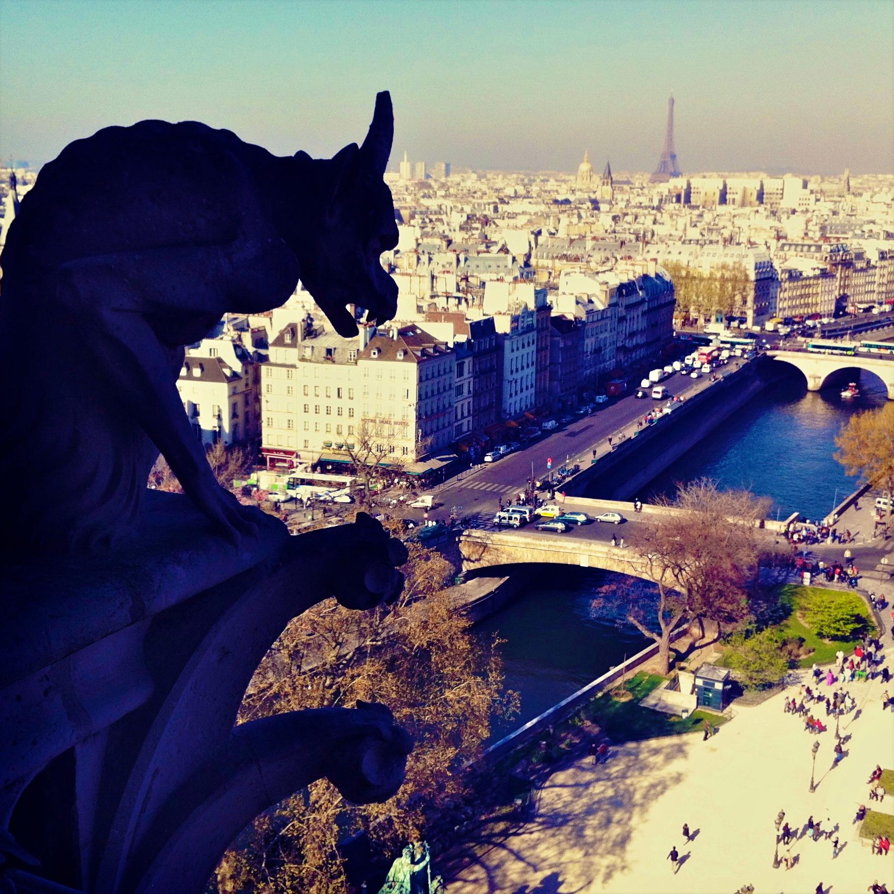 DISCOVER THE SITES OF PARIS