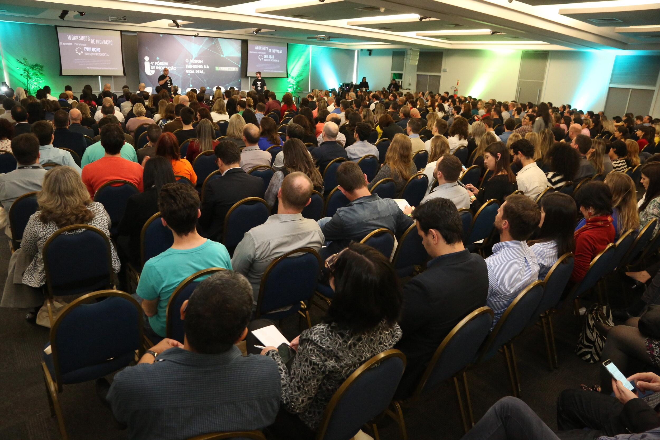Conference public.