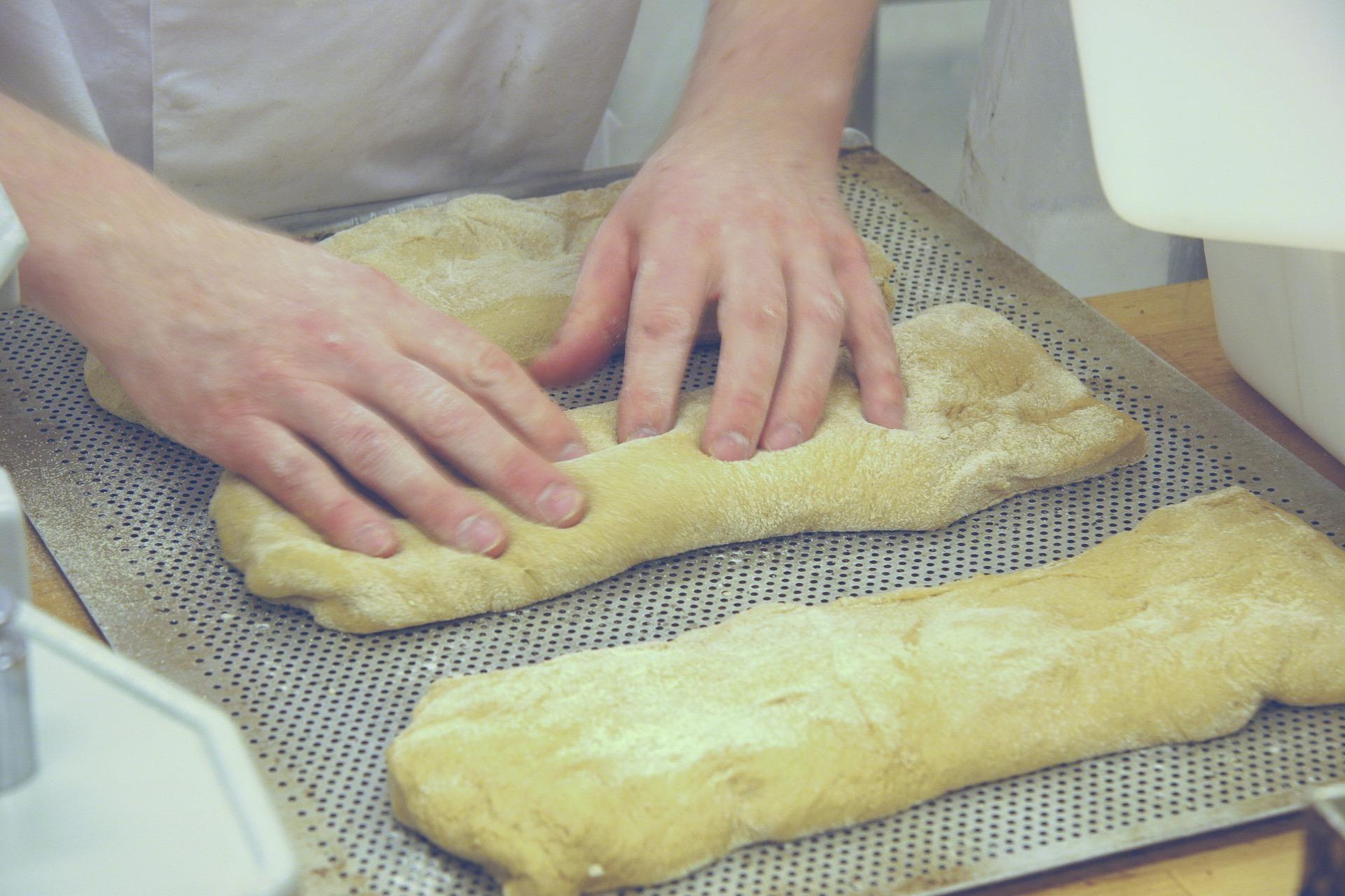 - 100 kg flour (about 1% ash)2.5% yeast2% salt4% wheat sourdough3% olive oil