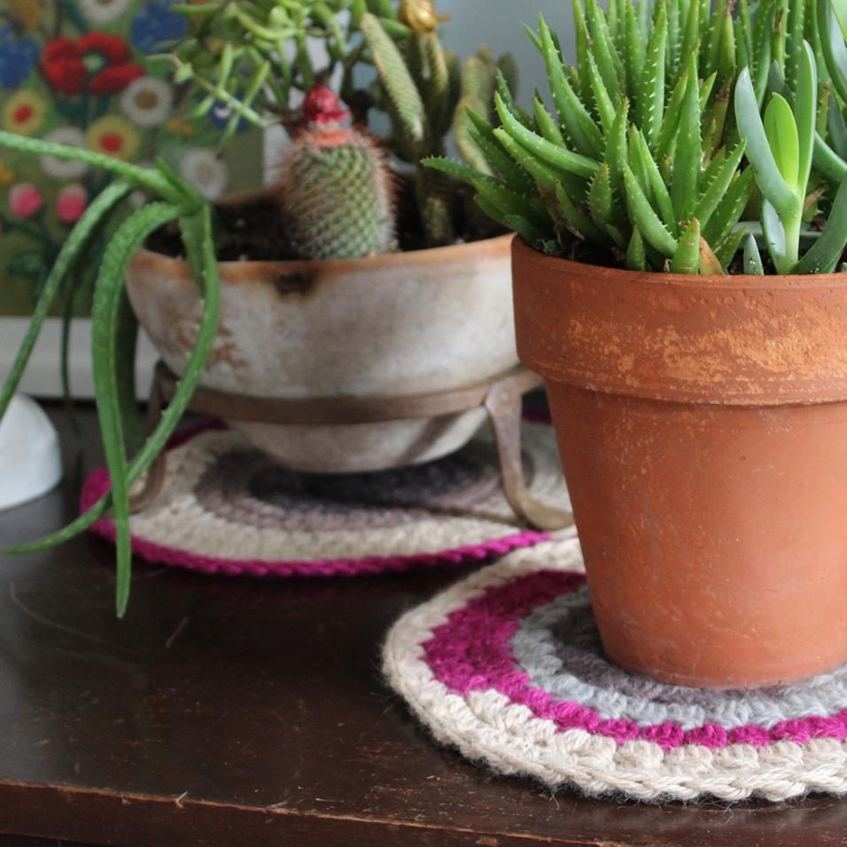 crochetcoasters02.jpg