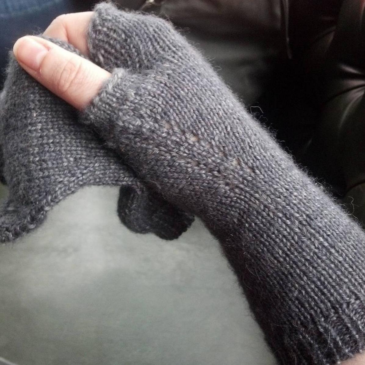 Wondrous Skein Handwarmers