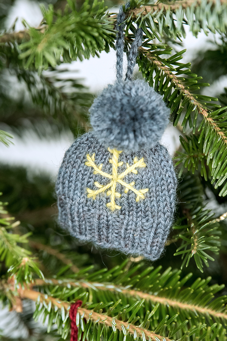 holiday_ornaments-4_low.jpg