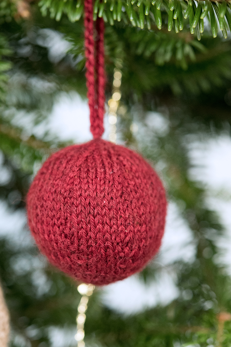 holiday_ornaments-18_low.jpg