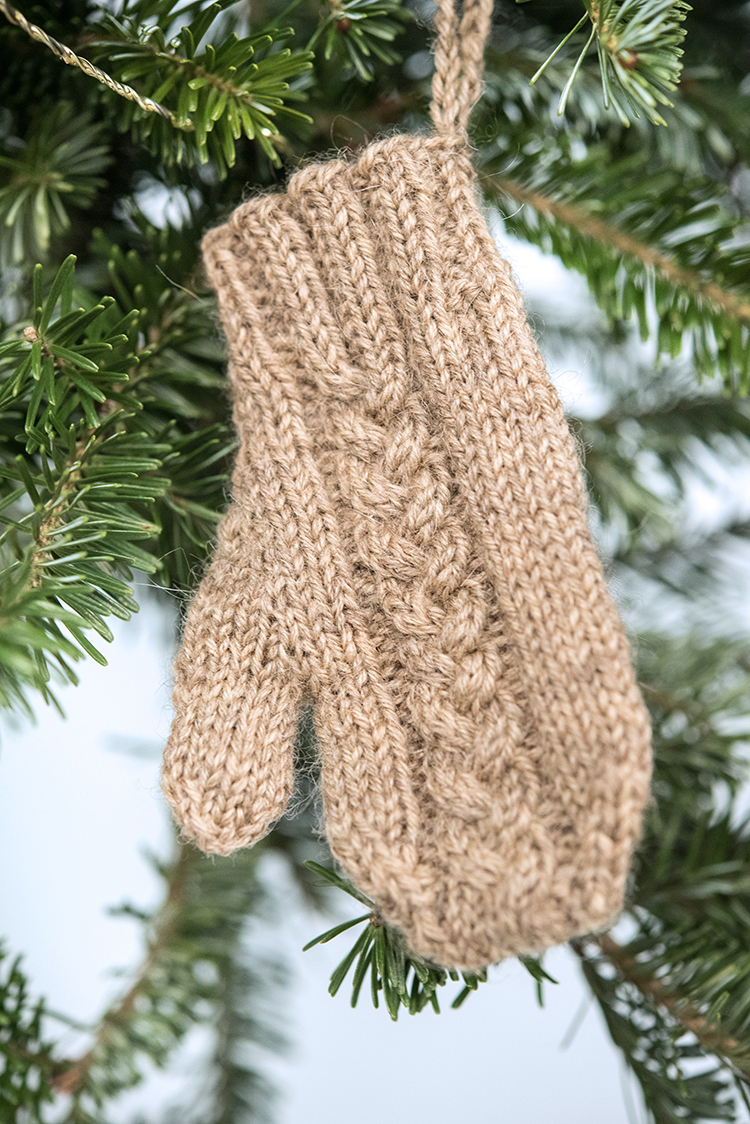 holiday_ornaments-16_low.jpg