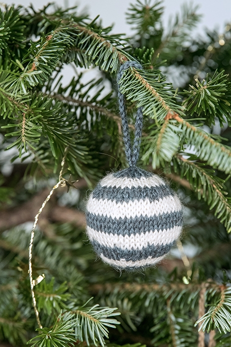 holiday_ornaments-6_low.jpg