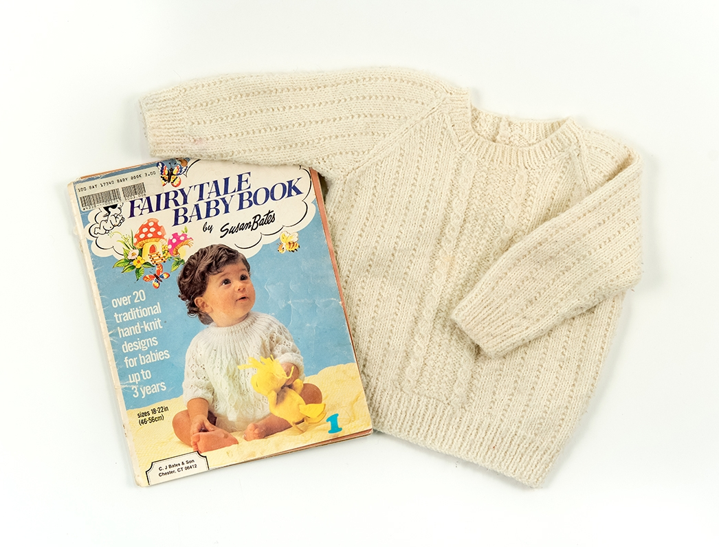 Nana's Sweater: Susan Bates Fairytale Baby Book