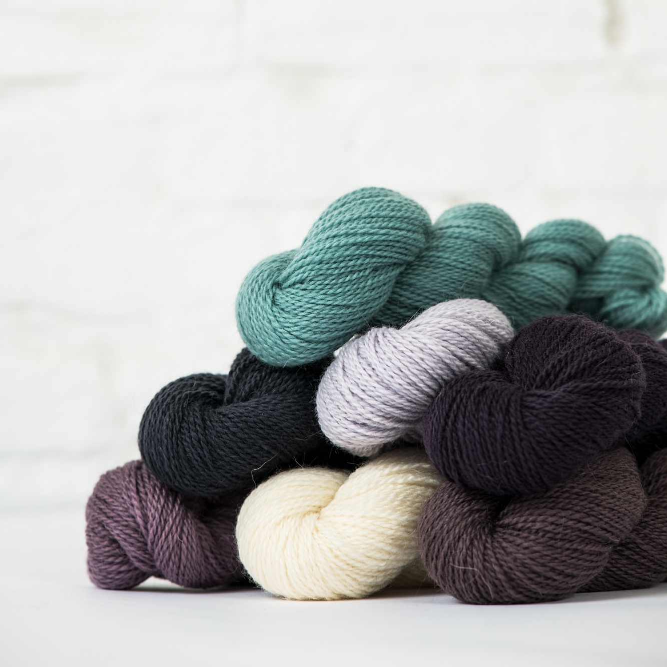 ANDORRA   60% Merino wool, 20% highland wool, 20% Mohair  185 yard / 50 gm skein