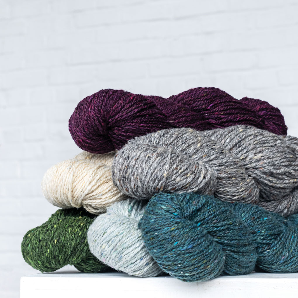 LUCKY TWEED   100% Merino wool   210 yard / 100 gm skein