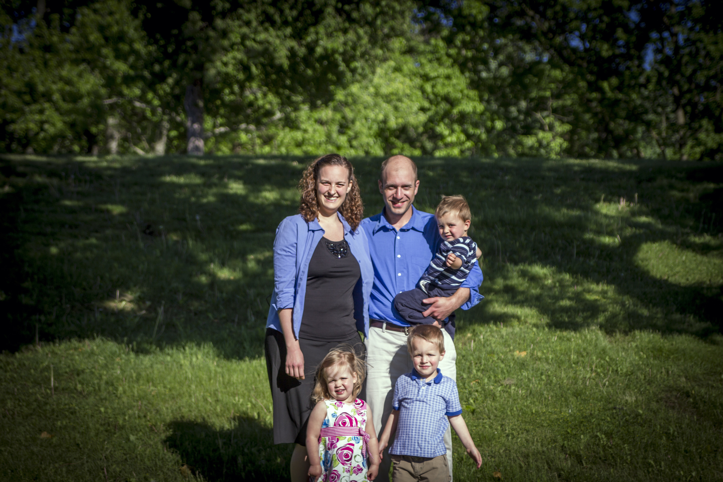 Photo shoot with Deanna Rae Photography and the Austen family, Grand Rapids, Michigan.