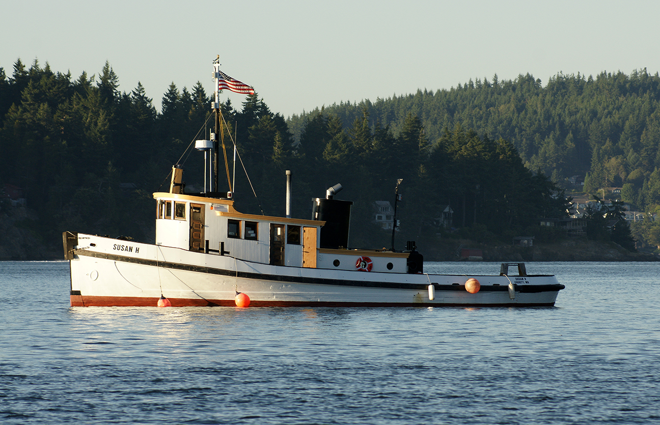 The Susan H anchored in Cornet Bay