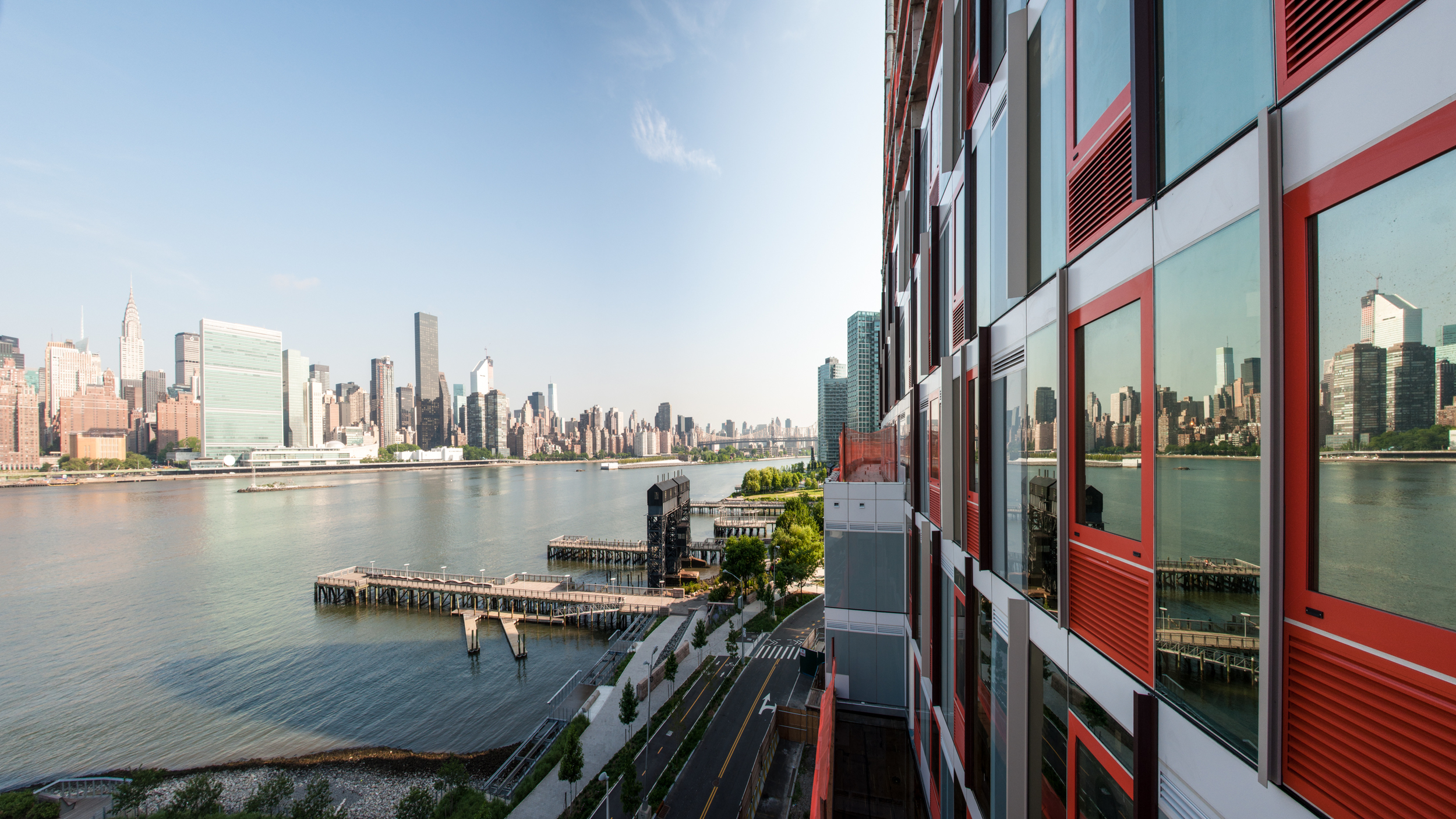 View of Manhattan and Gantry Plaza State Park from the western terrace of Building A.