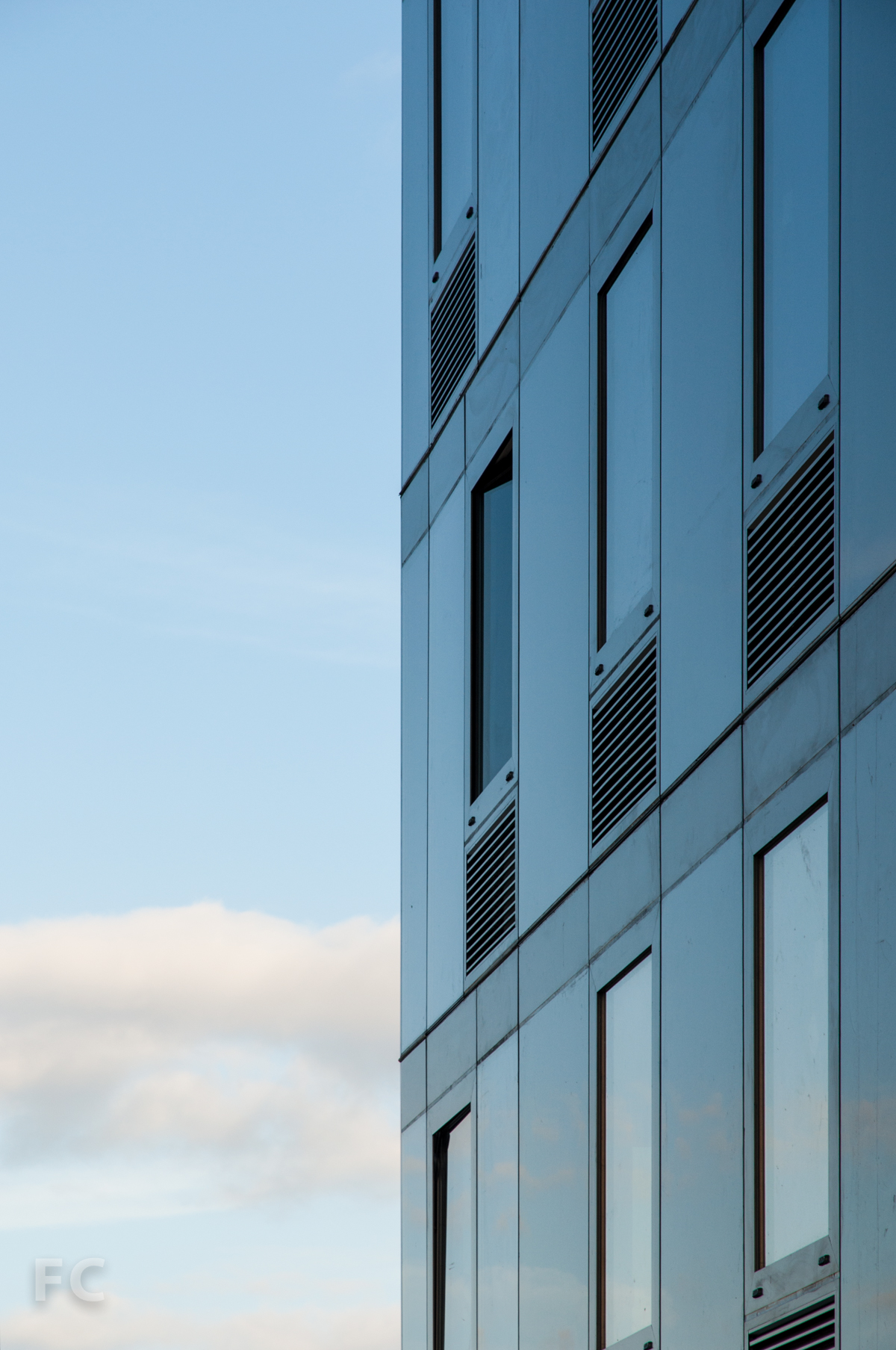 Detail of the curtain wall on Building B.