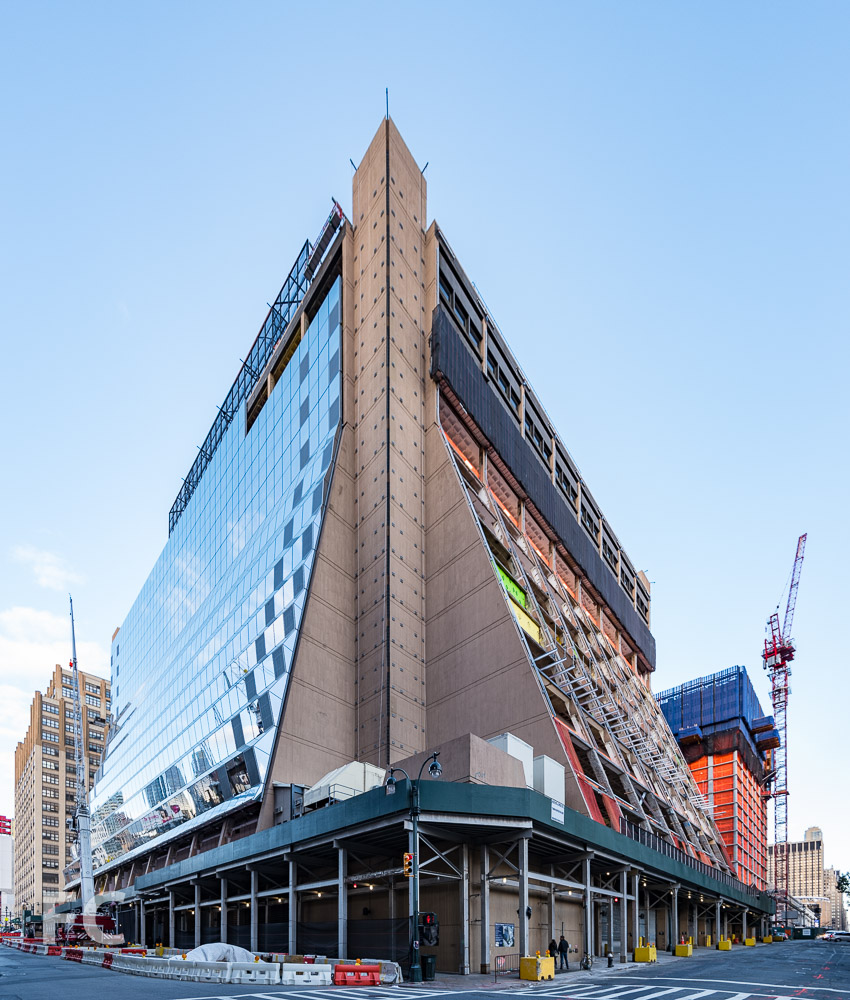 Southwest corner of 5 Manhattan West (left) and 401 West 31st Street (right) from 10th Avenue.