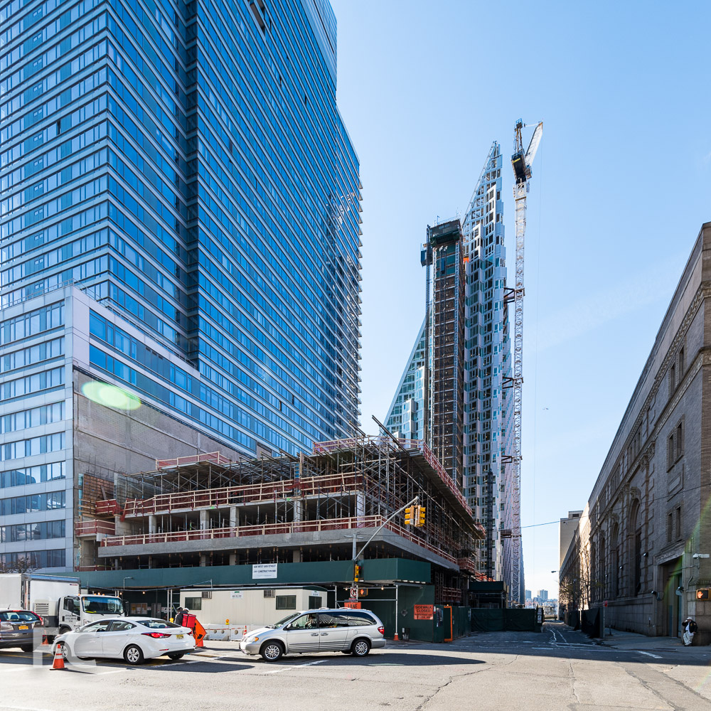 Northeast corner of VIA 57WEST (background) and 600 West 58th Street (foreground).