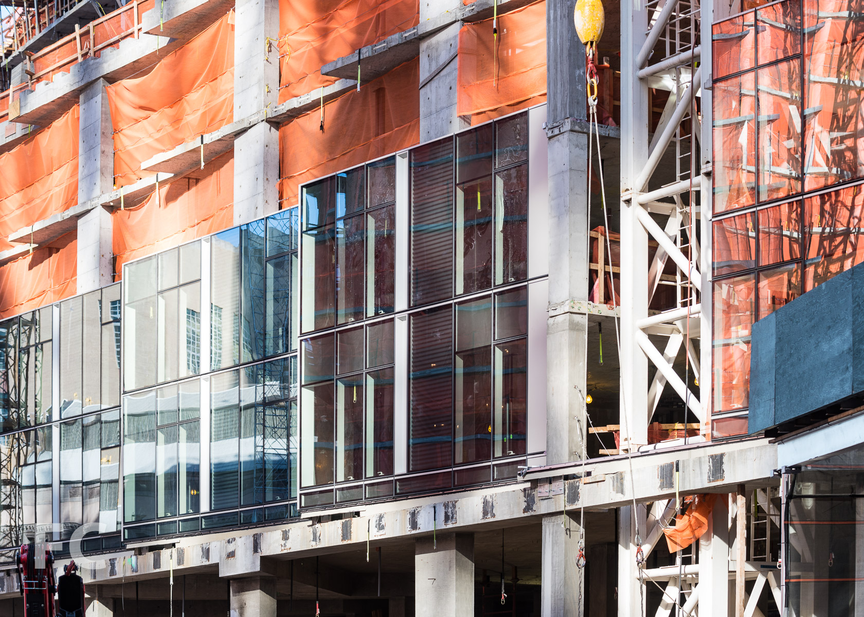 Curtain wall installation at the south facade of Two Waterline Square.