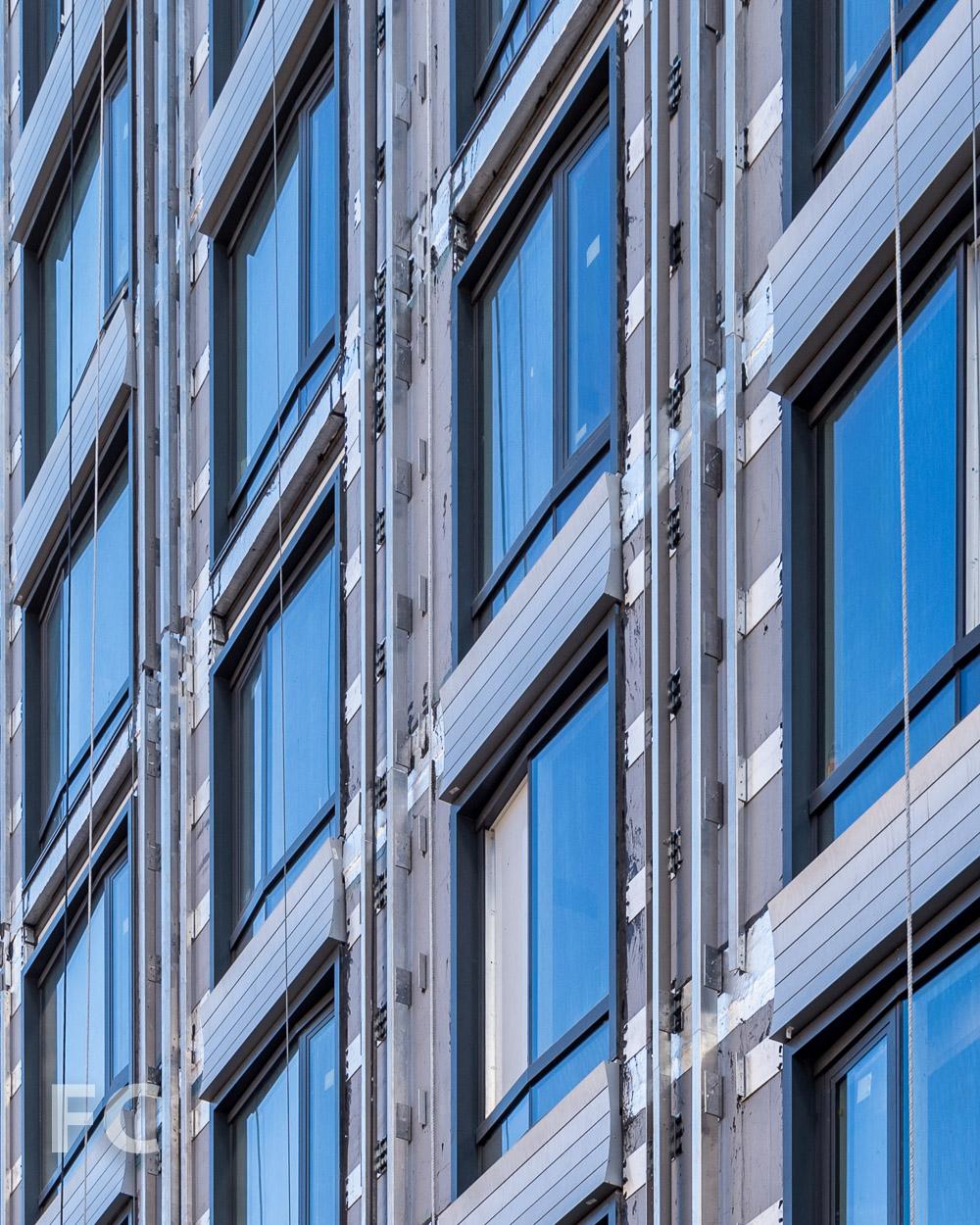 Close-up of the west façade.