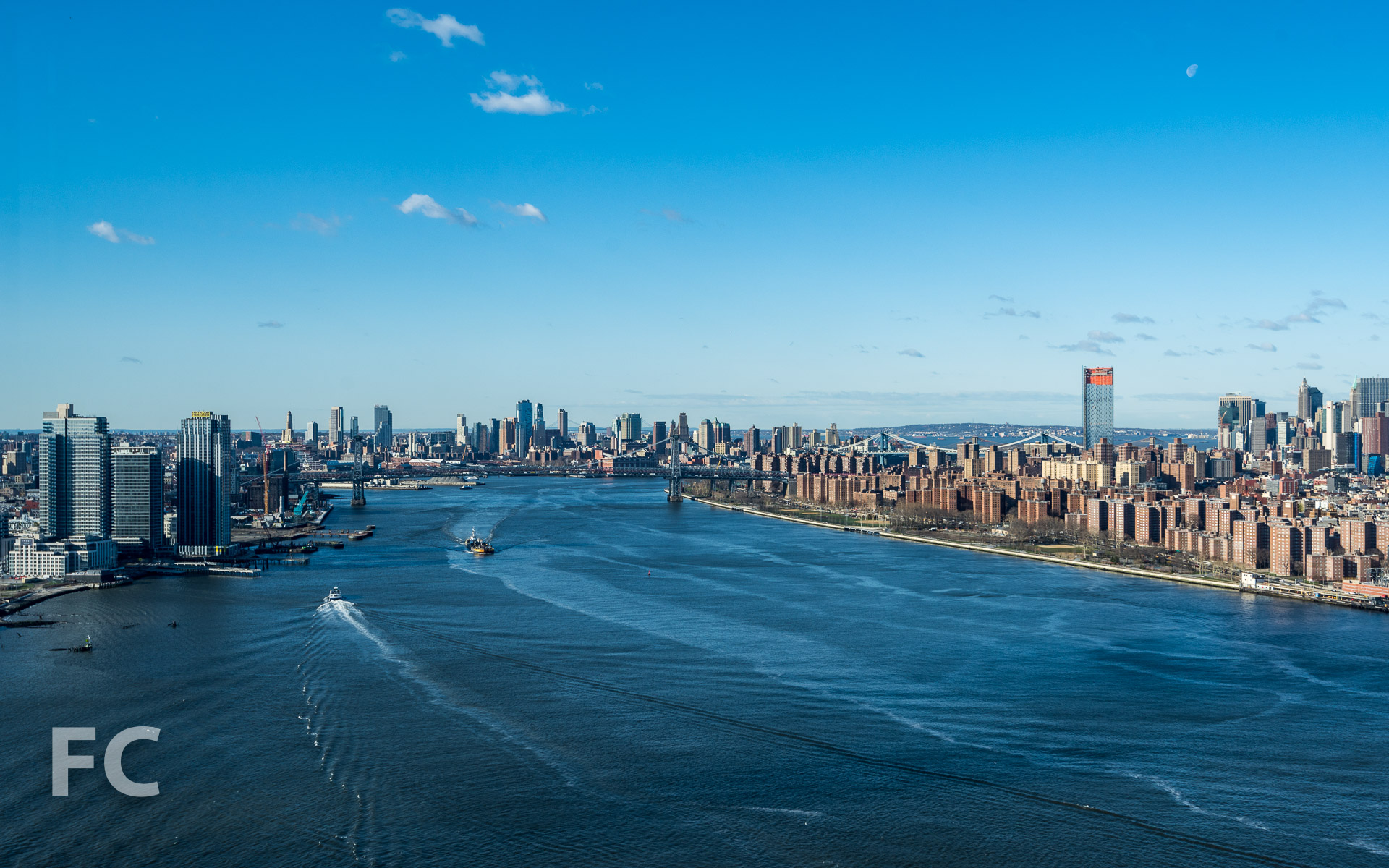 View south towards Brooklyn (left) and Lower Manhattan (right) from the rooftop.