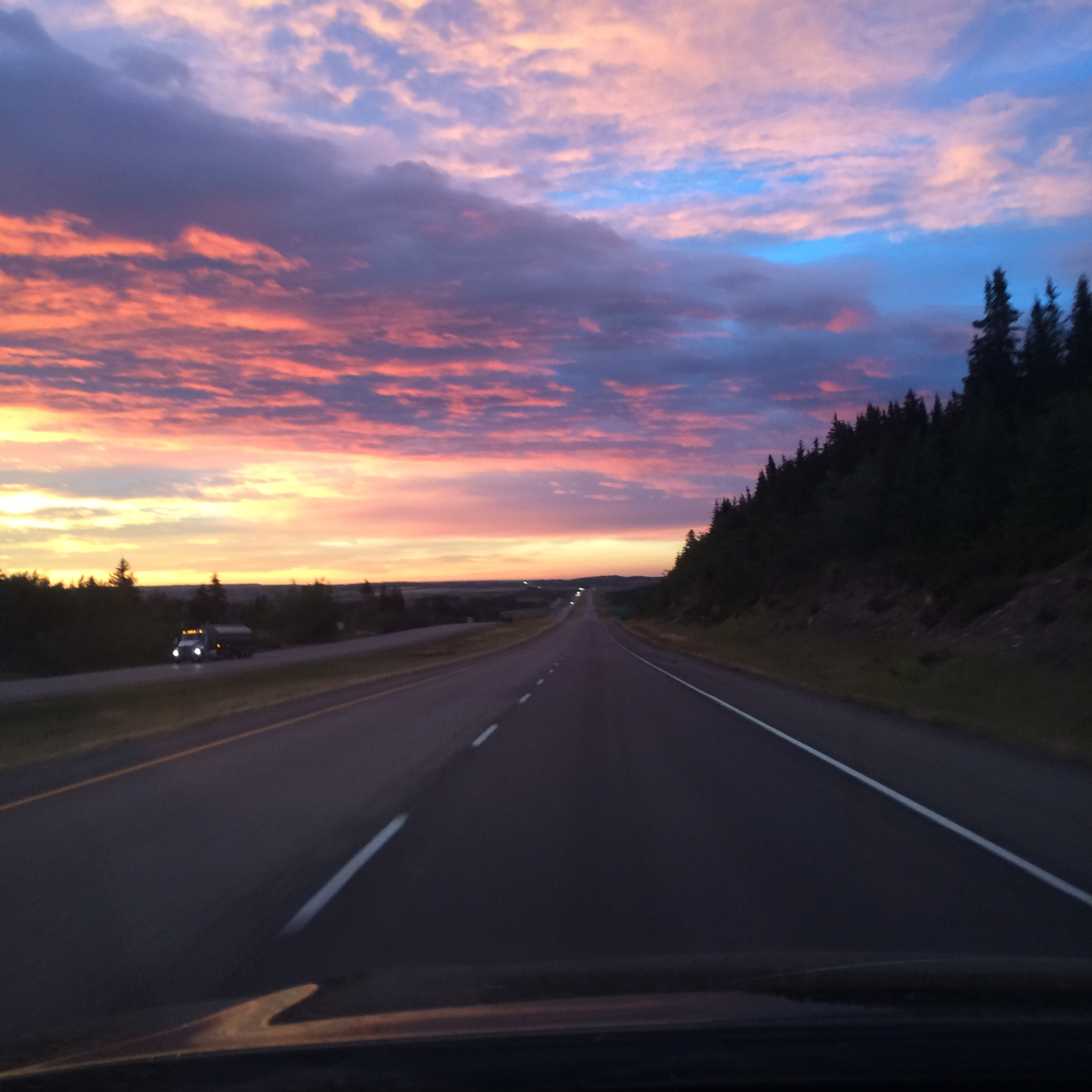 it also meant that i got to enjoy big blue ALBERTA skies (and some pretty impressive sunrises on my morning commutes).