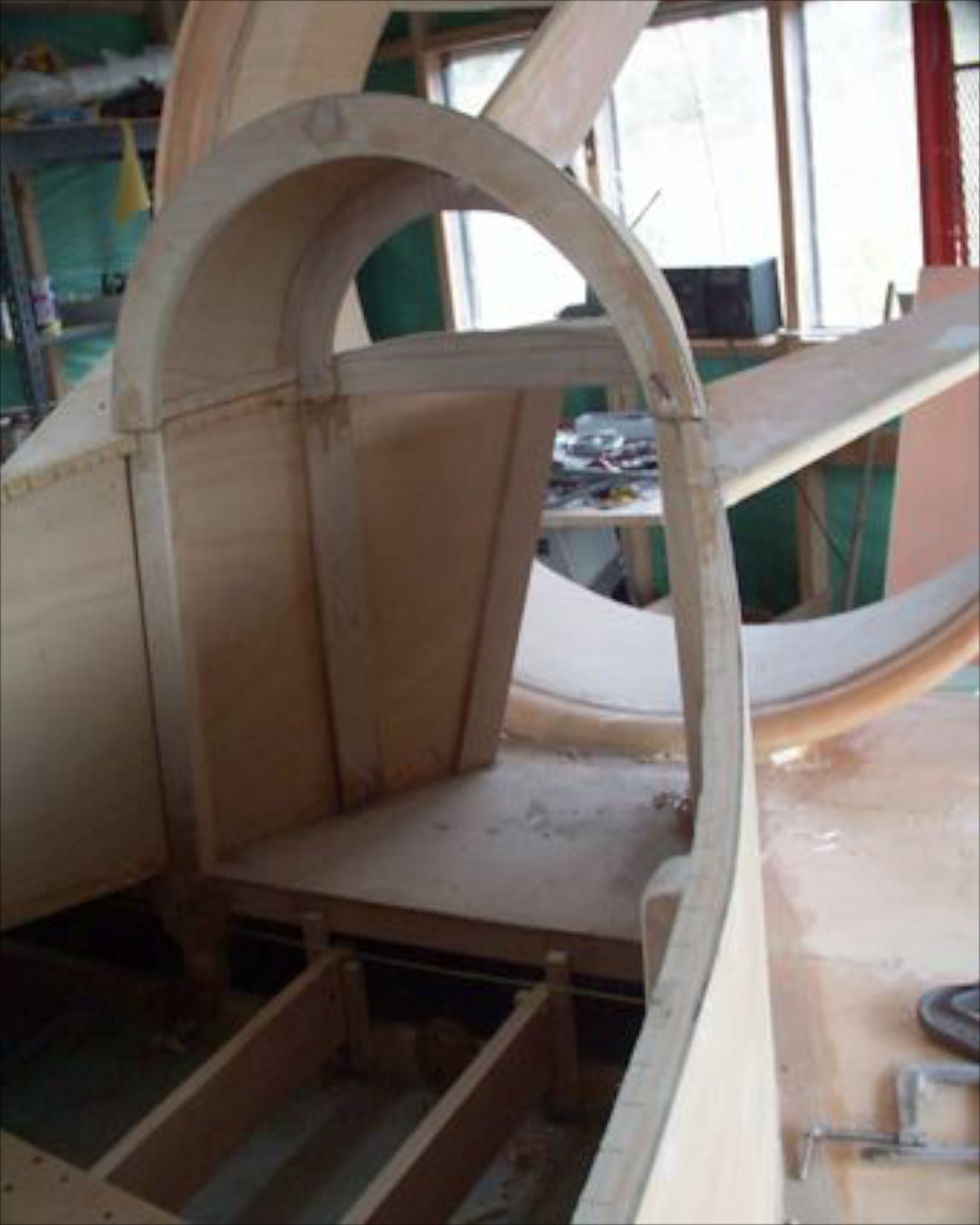 Plywood and rib construction.
