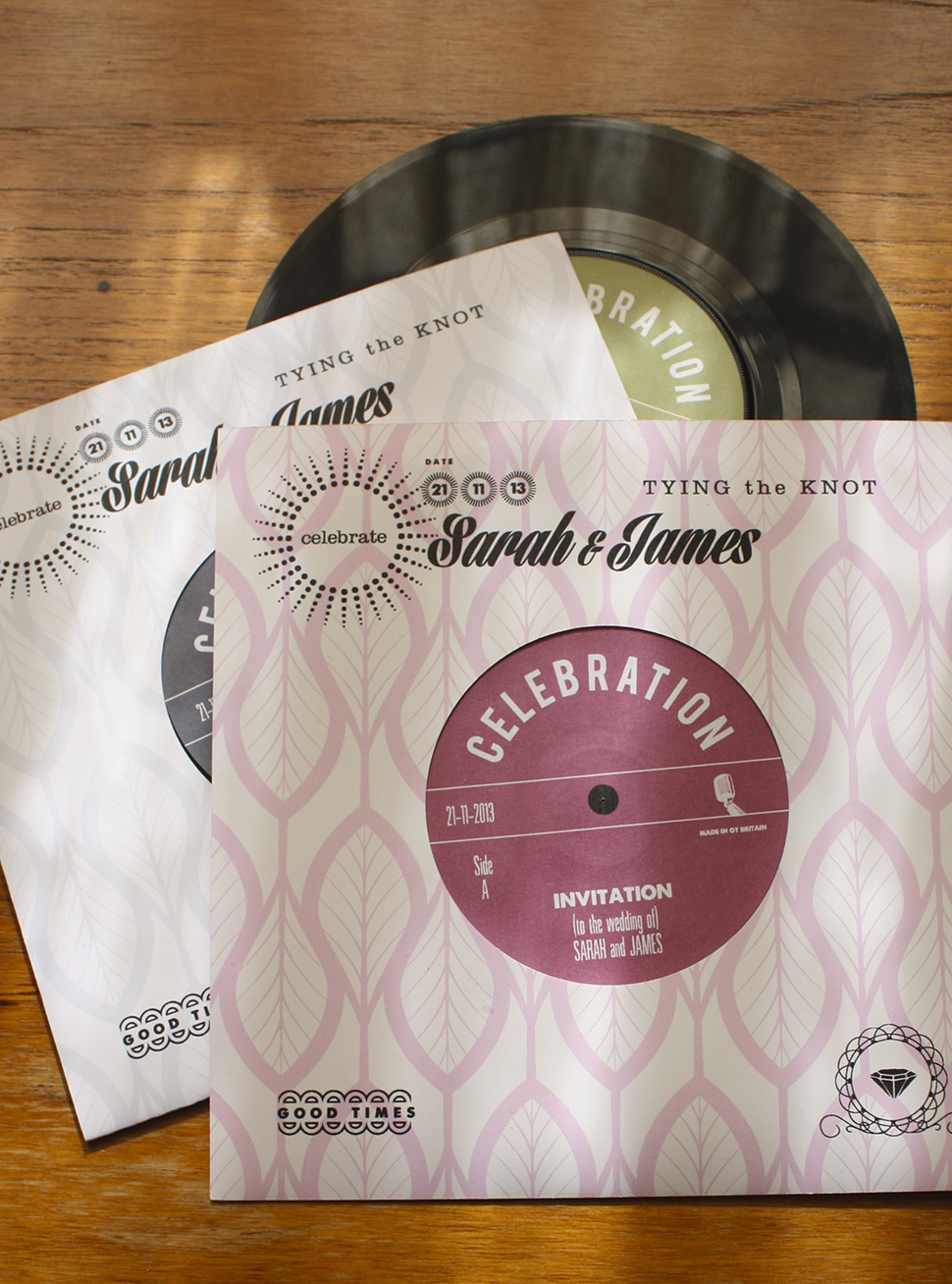 """Playable vintage 7"""" vinyl with retro styled sleeve"""