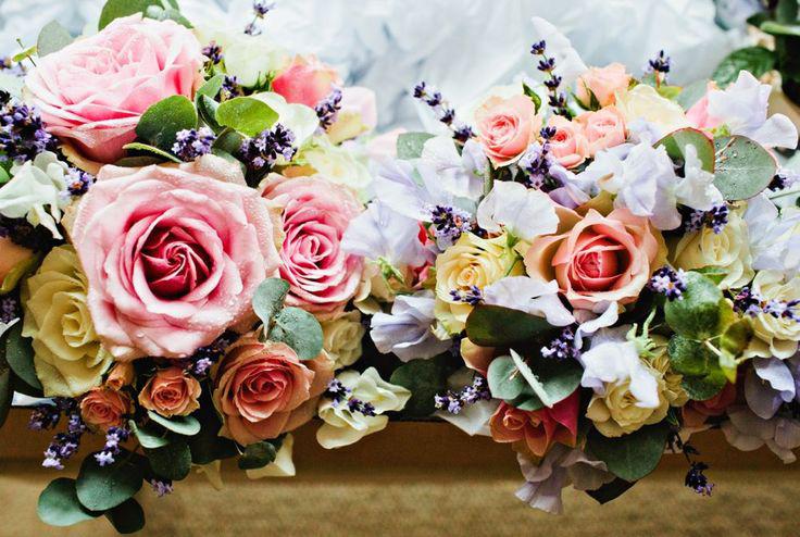 Caz&Ivor_flowers_lo.jpg